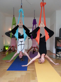 Aerial Yoga im Yogaluft Studio
