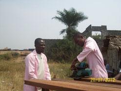 equipe de constructeur au chantier a kinkile