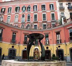 Piazza Flavio Gioia dopo i lavori