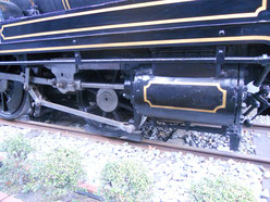 233形蒸気機関車のピストンとシリンダー部分