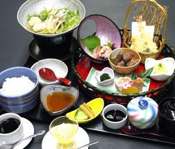 花籠御膳 1,600円(税別)