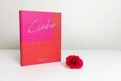 "Das Buch ""Signatur Liebe"" Foto: Gugler GesmbH"
