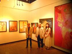左からお師匠様、画家佐藤進さん、立花雪