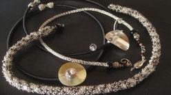Grau, Silber und Schwarz. Eine kleine Kollektion in den verschiedensten Herstellungsarten.