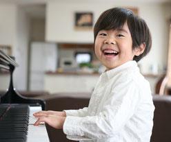 ピアノと男の子