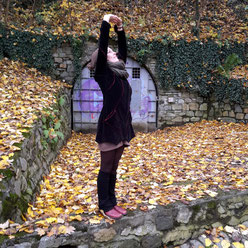 Gestreckter Berg: Einmal freimachen bitte! Ritual mit Yoga & Tarot. ~ Embody Yoga Graz.