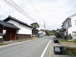 小田井宿本陣前