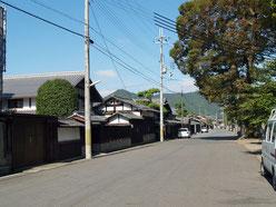 大城神社前の道