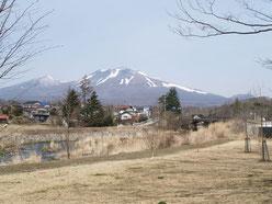 湯川と浅間山