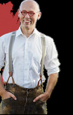 Ein Mann in Lederhosen
