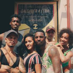 Profesores de la escuela de bailes Salsabor a Cuba