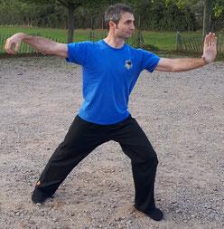 How to perform a Tai Chi posture called 'Single Whip' (Dan Bian)
