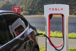 Tesla-Schnelllader