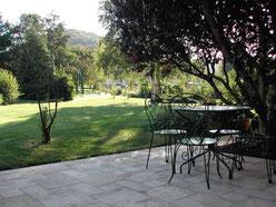 La terrasse et le jardin gite vivalane - Meuse - Lorraine