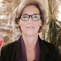 Angie-Claire Mentore di vita e spirituale esperta internazionale nel superamento di situazioni difficili