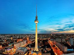 Von diesem Blick aus sieht man den Fernsehturm und viele Stadteile Berlins, in denen wir Standorte haben