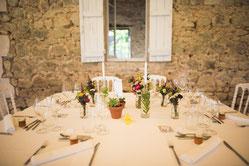 Dîner de mariage dans un château au milieu de son vignoble AOC Buzet