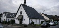 Die Siedlergemeinschaft Werthacker hat die St.- Martinus-Kapelle gekauft und zu einem Siedlertreff umgebaut. (WAZ-Foto: Lars Fröhlich)