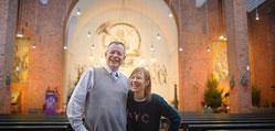 Esther und Johannes Kirchner sind abwechselnd in St. Elisabeth, St. Gabriel und St. Ludger. (WAZ-Foto: Lars Heidrich)