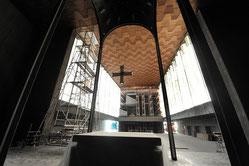 Auch von innen gleicht die ehemalige Kirche inzwischen eher einer Baustelle. Die Kosten der Umgestaltung sind hoch. (RP-Foto: Andreas Probst)