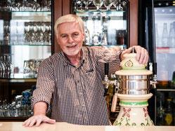 Wolfgang Stahl ist Vorsitzender der Siedlergemeinschaft Werthacker. (WAZ-Foto: Lars Fröhlich)