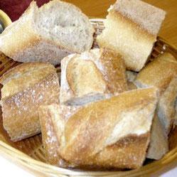 Brot mit frischer, knackiger Kruste