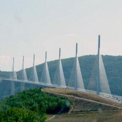 Die Brücke über den Tarn bei Millau