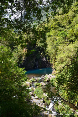 Vue sur le bassin du Trou Noir par le sentier La Réunion 974