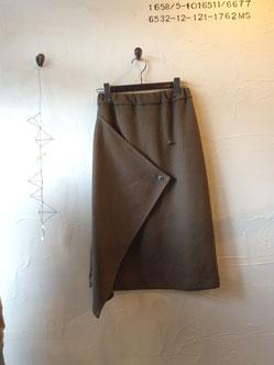 カーキのラップ風スカート  8900