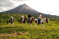 Caballos al Volcan Arenal