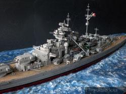 Schlachtschiff Bismarck - 1/350 v. Revell, Eduard, uvm.