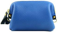 pochette main en cuir souple artisan créatrice Saule Paris Pollen bleu finition qualité trousse maquillage made in paris leather pouch make up doctor bag handmade french style fashion blue