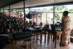 ラティアナ小学校での環境に関するワークショップの様子
