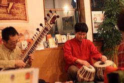 インド料理店ナタラジャでの演奏風景