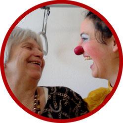 Clowns-Madame Angelina Haug bei ihrem Einsatz im Pflegeheim