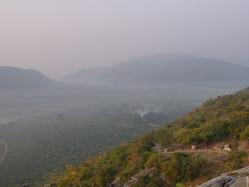 霊鷲山から見下ろす大地