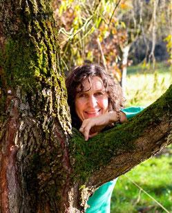 Kräuterpädagogin Karina Eberle - Kräuter sammeln und verarbeiten