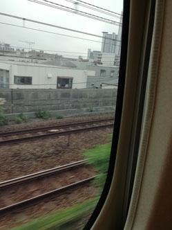 新幹線の車窓より