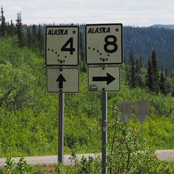 Hier rechts af nr.8 is de Denali Highway