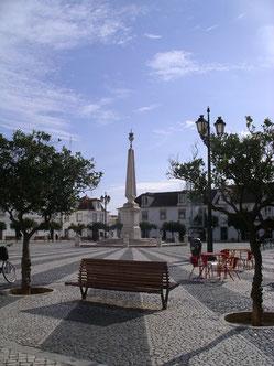 Het centrale plein in Vila Real de Santo Antonio. Het laatste Portugeese plaatsje van de Algarve voor Spanje.