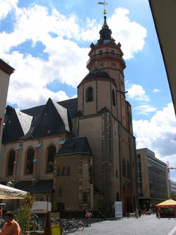 """Die Nicolai-Kirche in Leipzig - mitten """"im Dorf"""", mitten in der Stadt. Zumindest 1989 bei der Wende ein wichtiges """"Forum""""."""