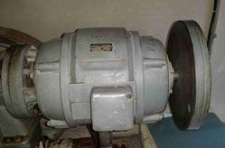 Motor mit Schwungmasse als Speicher Anwendung Foto Solarstrom Simon