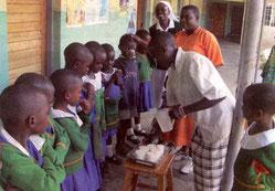 Helga Eckmann vom katholischen Familienkreis 'Kunterbunt' freut sich auf ihre Reise nach Tansania - Foto: Eckmann