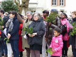 Dans les jardins de St Mathieu, dimanche, les rameaux de buis étaient dans toutes les mains.
