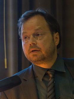 Martin Frenzel sprach beim FLS-Abend zum 80. Jahrestag der Bücherverbrennungen über den deutsch-jüdischen Buchhändler Alfred Bodenheimer. Foto: Marc Mandel