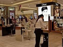 化粧品は人件費と家賃の固まり