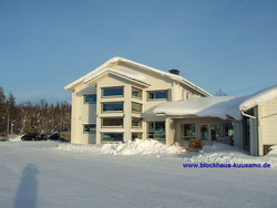 Unsere Hauptniederlassung in massiver Blockbauweise im Februar bei -25°C   ©Kuusamo Blockhaus