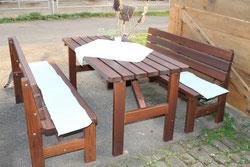 Unsere beliebte Tischgarnitur - zum Essen und Trinken oder einfach nur um die Sonne zu genießen