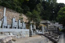 現在の霊明神社南墓地