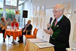Konsulent Adolf Öhler, Bürgermeister Klaus Luger, Vizebürgermeisterin Karin Hörzing und Künstler Gazmend Freitag
